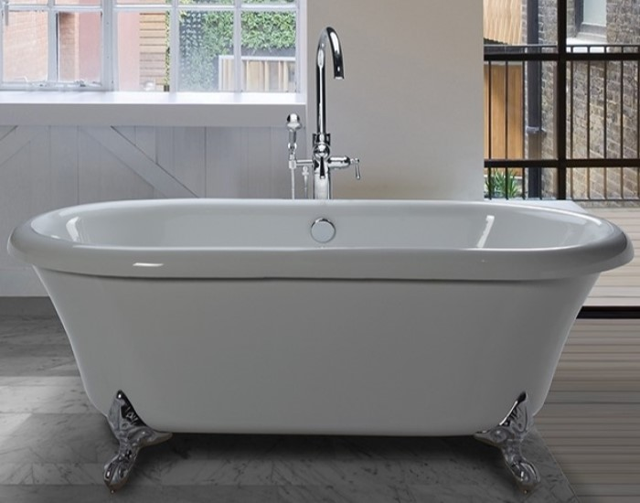 Freestanding Bath with Center Drain and Chrome FeetClawfoot Tub   Clawfoot Soaking Bathtub. Free Standing Claw Foot Tub. Home Design Ideas
