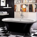 Freestanding Bath in Balck & White