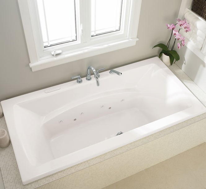 Oval Bath With End Drain