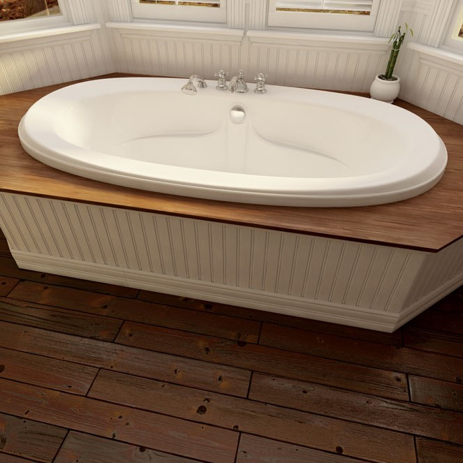 Oval Tub with Elegant Rim, Center Drain, Armrests