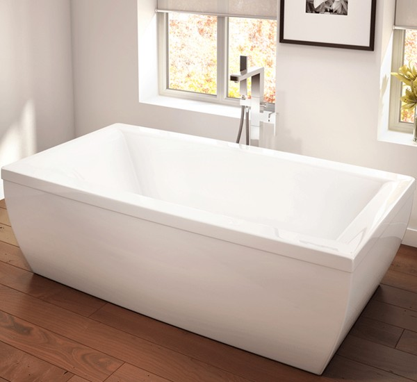 Modern Freestanding Bath With Curved Sides