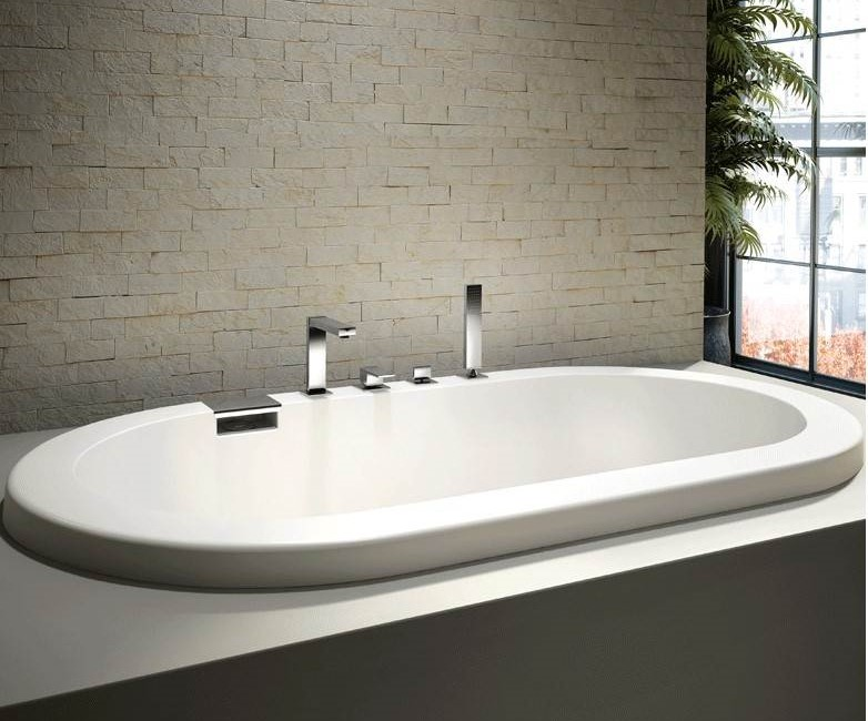 Oval Bath, Modern Flat Rim, Chrome Overflow