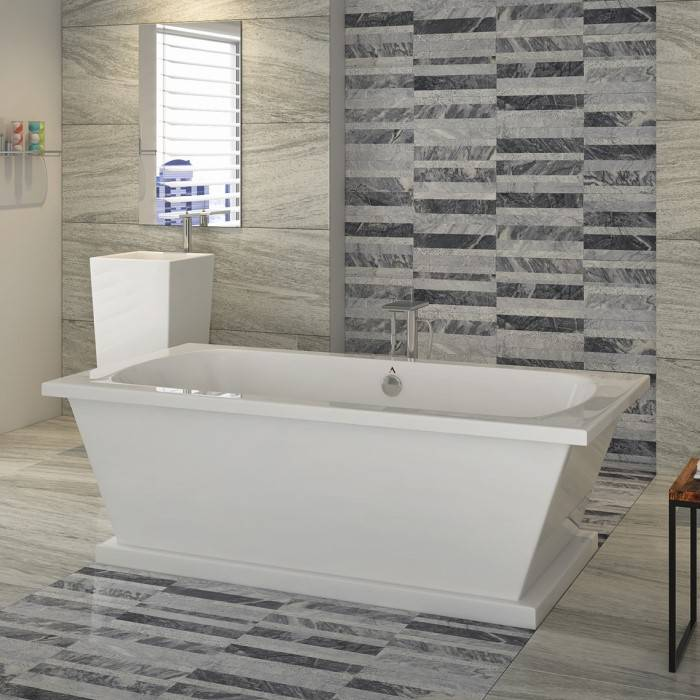 Locklyn Soaker Tub with a Freestanding Tub Filler Centered Behind