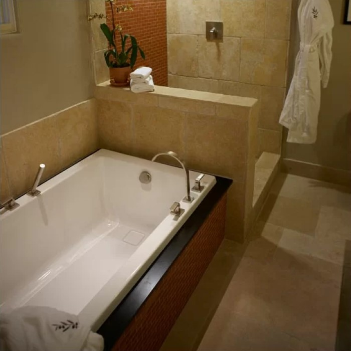 Hydro Systems Marlie Bathtub Soaking Air Or Whirlpool Tub