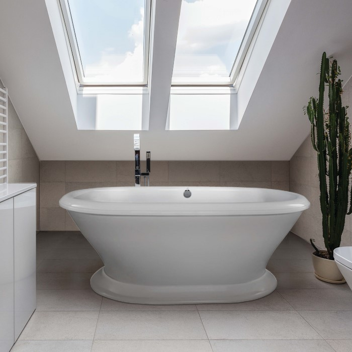 Oval Freestanding Bath with Curving Sides and Pedestal Base