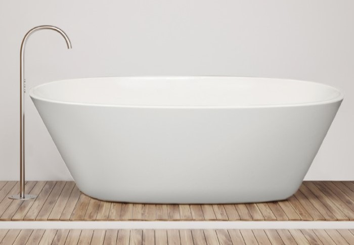 Freestanding Oval Bath with Angled Sides and Thin, Flat Rim