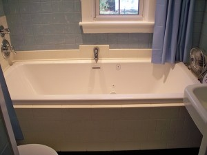 Hydro Systems Kira, Rectangle, Center Drain Tub