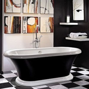 Pedestal Bathtub in Black & White
