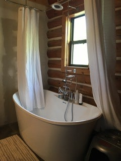 Freestanding Tub & Shower
