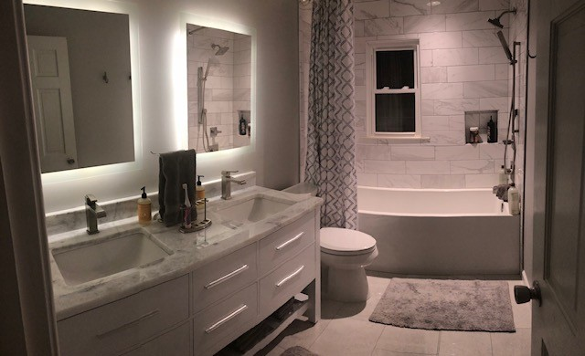Alcove bath for use a tub and shower