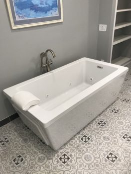 End Drain Bath with Optional Slotted Overflow